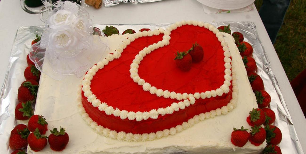Auto Matrimonio Toscana : Torta nuziale alla frutta