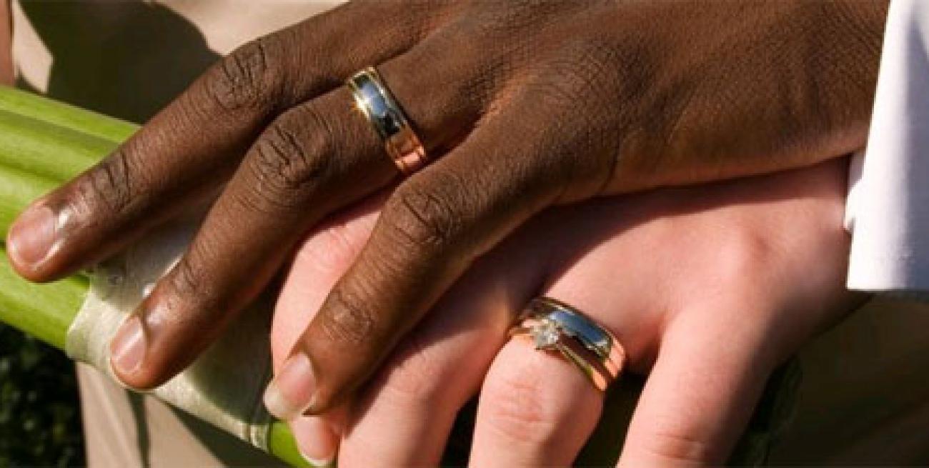 Matrimonio con stranieri o matrimonio per stranieri: quali documenti?