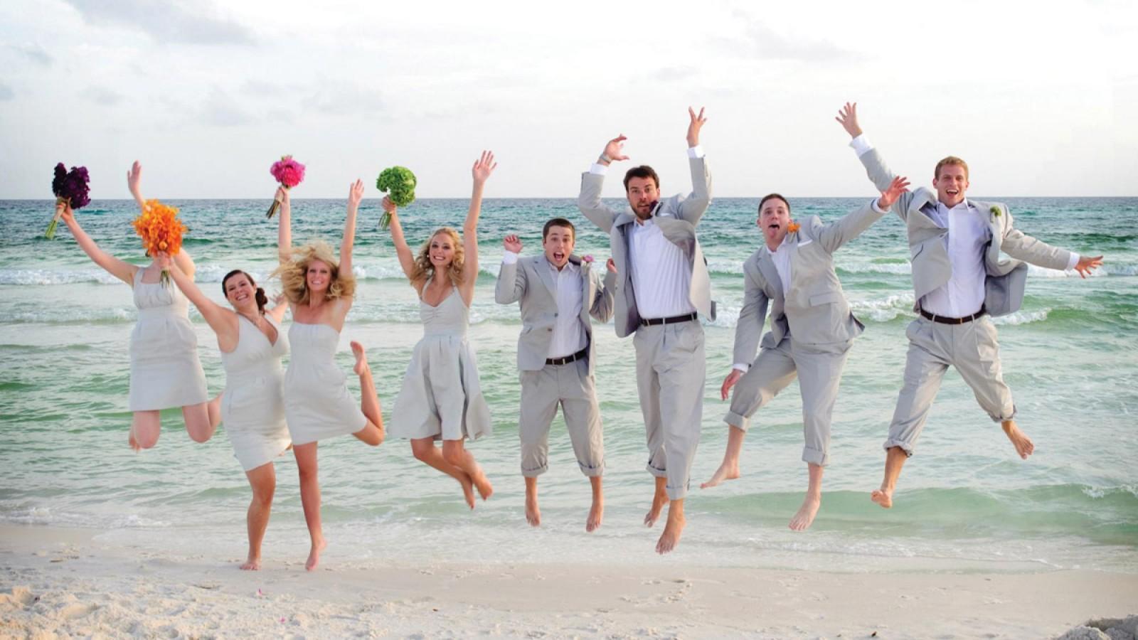 Matrimonio Spiaggia Look Uomo : Matrimonio a tema in spiaggia