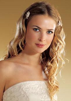 Acconciature sposa capelli lunghi e lisci